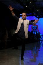 kailash Kher At lakme fashion week 2019 Day 4 on 25th Aug 2019 (41)_5d6392476e347.JPG
