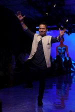 kailash Kher At lakme fashion week 2019 Day 4 on 25th Aug 2019 (42)_5d63924addfc7.JPG