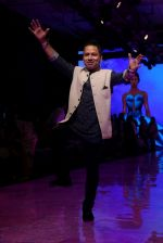 kailash Kher At lakme fashion week 2019 Day 4 on 25th Aug 2019 (44)_5d639251f2be3.JPG