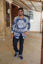Chunky Pandey at the promotions of film Prasthanam in Sun n Sand, juhu on 26th Aug 2019 (5)_5d64ce207dc12.JPG