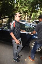 Akshay khanna spotted at dubbing studio Bandra on 27th Aug 2019 (13)_5d66309f27c5d.JPG