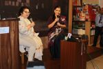 Vidya Balan at the Launch Of Minnie Vaid Book Those Magnificent Women And Their Flying Machines in Title Waves, Bandra on 27th Aug 2019 (73)_5d66294618907.jpg