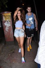 Disha Patani spotted at bandra on 27th Aug 2019 (7)_5d6777e556c09.JPG