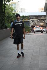 Ishaan Khattar spotted at andheri on 28th Aug 2019 (74)_5d67787636f8d.JPG