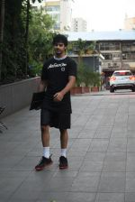 Ishaan Khattar spotted at andheri on 28th Aug 2019 (75)_5d67787d1fa83.JPG