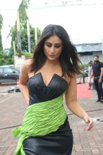Kareena Kapoor on the sets of Zee TV Dance India Dance in filmcity goregaon on 28th Aug 2019 (5)_5d677c32487fb.JPG