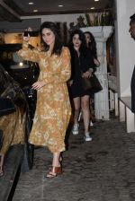 Kareena Kapoor spotted at anil Kapoor_s house in juhu on 28th AUg 2019 (8)_5d677213bd0a9.JPG