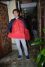 Vivek Oberoi brings ganpati home at juhu on 1st Sept 2019 (6)_5d6e1a9f45e9e.JPG