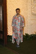 Karan Johar at Mukesh Ambani_s house for Ganpati celebration on 2nd Sept 2019 (75)_5d6f6a0d76a6e.jpg