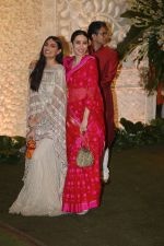 Karisma Kapoor at Mukesh Ambani_s house for Ganpati celebration on 2nd Sept 2019 (43)_5d6f6a15ac242.jpg