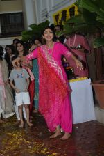 Shilpa Shetty ganpati Visarjan at juhu on 3rd Sept 2019 (46)_5d6f70b8266a9.JPG