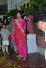 Shilpa Shetty ganpati Visarjan at juhu on 3rd Sept 2019 (47)_5d6f70baceff2.JPG