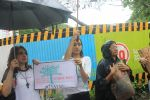 Shraddha Kapoor takes part in protest against the tree cuttings for Metro3 at Aarey in goregaon on 1st Sept 2019 (17)_5d6f6fa31e4bc.JPG