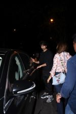 Shahid Kapoor spotted at Bandra on 12th Sept 2019 (31)_5d7b3e04e03c0.JPG