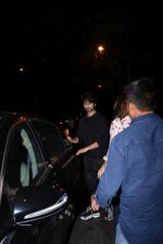 Shahid Kapoor spotted at Bandra on 12th Sept 2019 (32)_5d7b3e06437a6.JPG