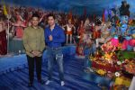 Varun Dhawan, Bhushan Kumar at Tseries office in andheri for Ganesh darshan on 12th Sept 2019 (45)_5d7b45f501fe2.JPG