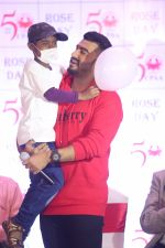 Arjun Kapoor celebrates rose day with cancer patients at Taj Lands End bandra on 24th Sept 2019