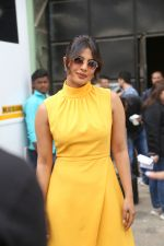 Priyanka Chopra, Farhan Akhtar at the promotions of film Sky is Pink in filmcity, goregoan on 24th Sept 2019 (1)_5d8b1b031e441.JPG