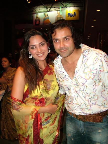 Lara Dutta & Bobby Deol in the Premiere of Waqt
