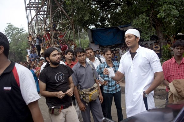 On The Sets Of Bluffmaster