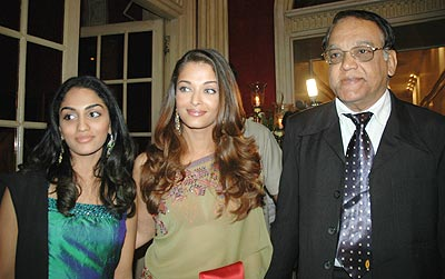 Aishwarya Rai  with sister-in-law, Shrima Rai & father, Krishnaraj Rai