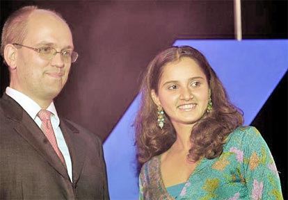 Member of Group Executive Committee of Deutsche Bank, Rainer Neske and Sania Mirza