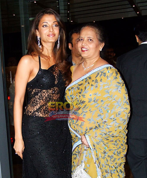 Aishwarya Rai with her mother
