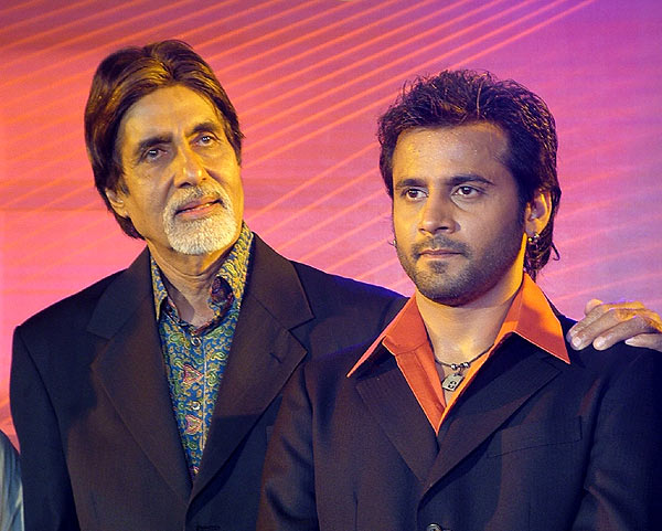 Amitabh Bachchan launches Rajeev Goswami's debut album