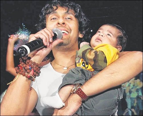 Sonu and with his new born son, Nevaan Nigam