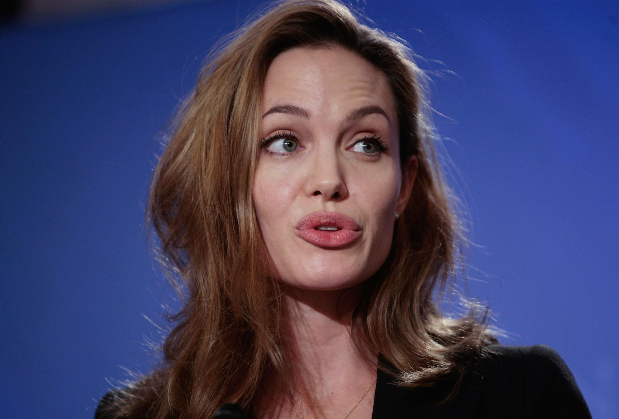 Angelina Jolie - Clinton Global Initiative event-15