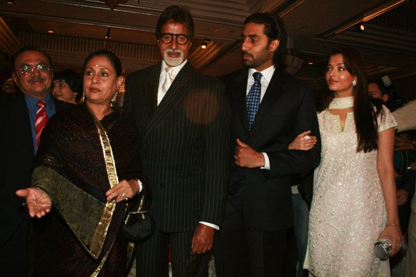 Jaya Bachchan, Amitabh Bachchan, Abhishek Bachchan, Aishwarya Rai at the London Mayor Ken's party
