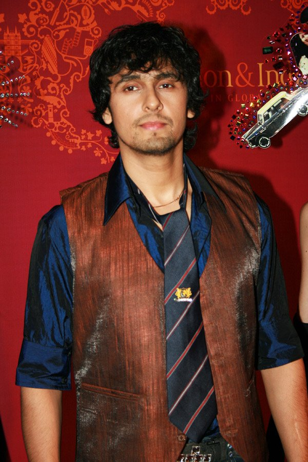 Sonu Nigam at the London Mayor Ken's party
