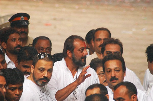 Bunty Walia, Sanjay Dutt Returns Home