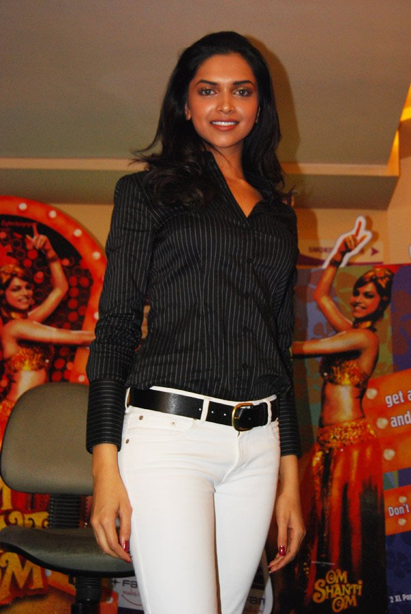 Deepika Padukone during Fame announcement Om Shanti Om Competition Winner