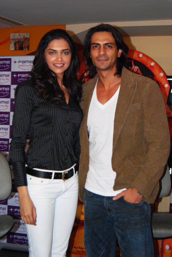Deepika Padukone and Arjun Rampal during Fame announcement Om Shanti Om Competition Winner