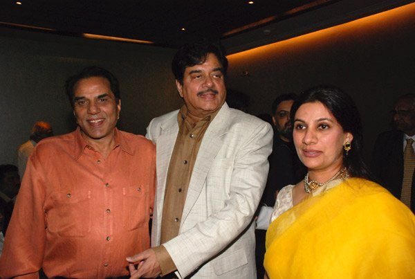Dharmendra, Shatrughan Sinha at Shatrughan Sinha's birthday party