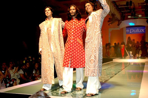 Dino Morea, Milind Soman, Arjun Rampal celebrates two decades of Indian style