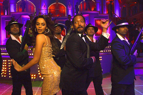 Mallika Sherawat, Nana Patekar in Welcome
