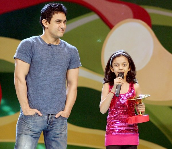 Aamir Khan, Swini Khare at Pogo Amazing Kids Awards 2007
