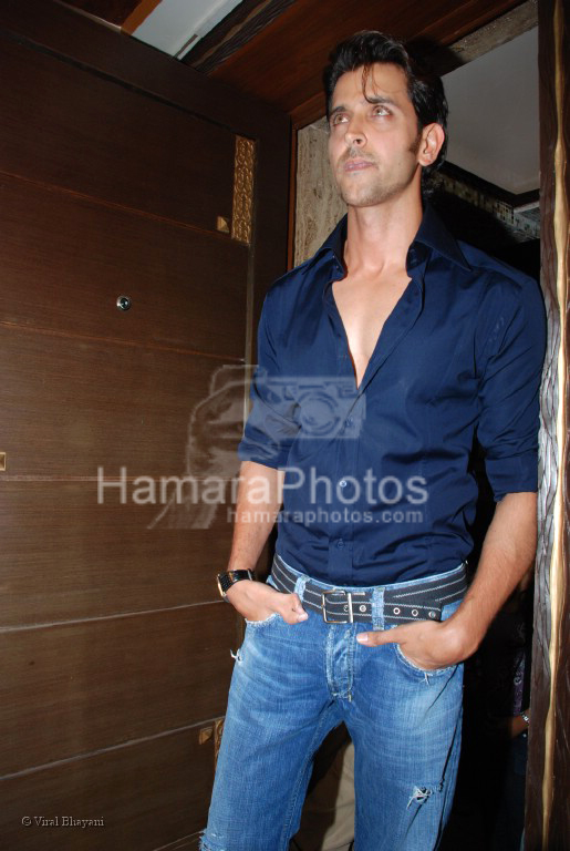 Hrithik Roshan at the launch of WATSON FITNESS in Khar Danda on March 13th 2008