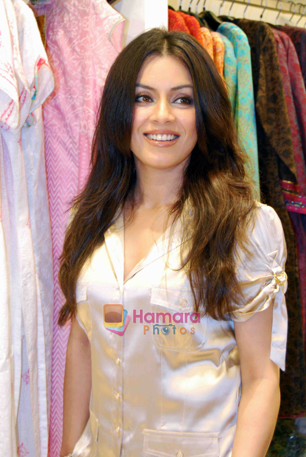 pictures Mahima Chaudhry