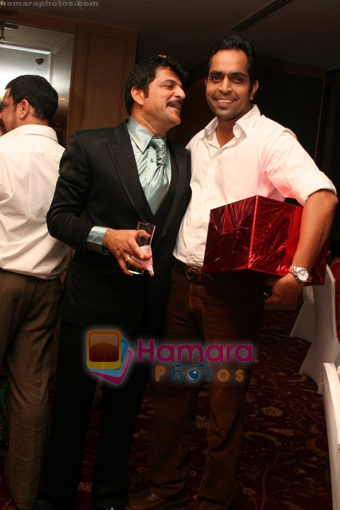 Rajesh Khatter with Biswajeet Pradhan at Vandana Sajnani and Rajesh Khattar's wedding reception in BJN Hall on May 5th 2008