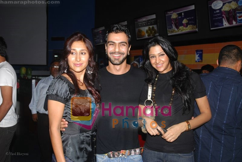 Aashish Chaudhary at Get Smart Premiere in Fame on 18th June 2008