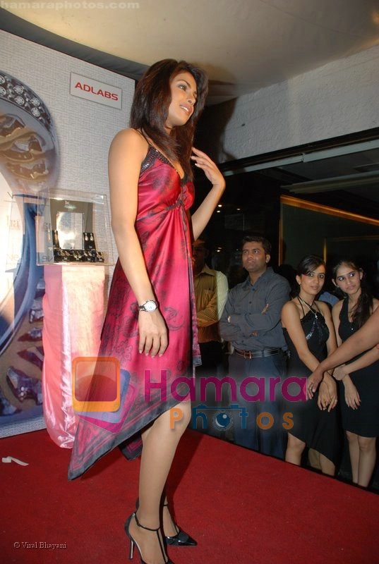 Priyanka Chopra endorses Ira diamonds in Vie Lounge on June 24rd 2008