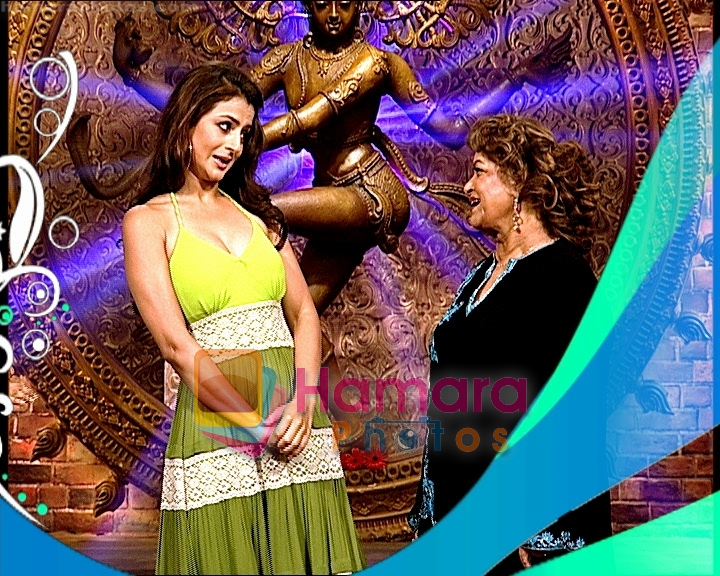 Amisha Patel at Nachle Ve With Saroj Khan