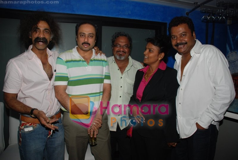 Makrand Deshpande and Sachin Khedekar at Nagesh Bhosle's wedding anniversary in Country Club on June 25th 2008