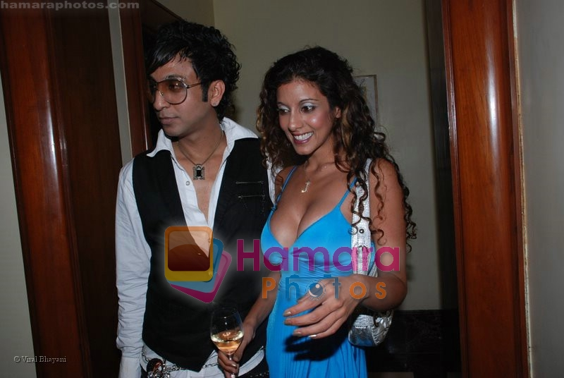 Jennifer Mayani at the music launch of Singh is King in Enigma on June 26th 2008