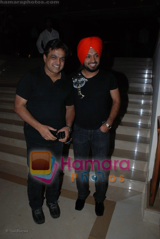 Vivek Shauq at the music launch of Singh is King in Enigma on June 26th 2008