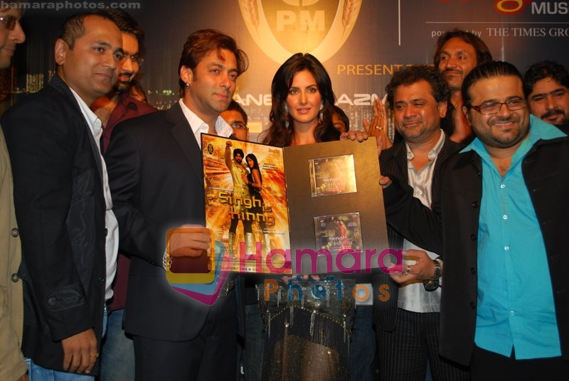 Salman Khan, Katrina Kaif, Pritam Chakraborty at the music launch of Singh is King in Enigma on June 26th 2008