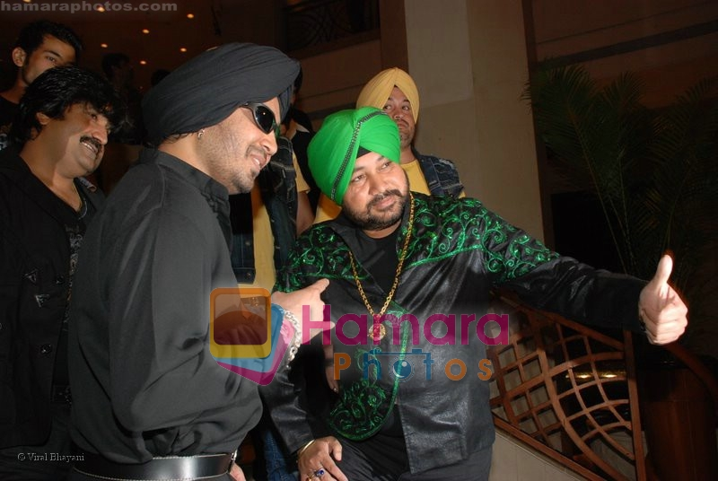 Mika Singh, Daler Mehndi at the music launch of Singh is King in Enigma on June 26th 2008